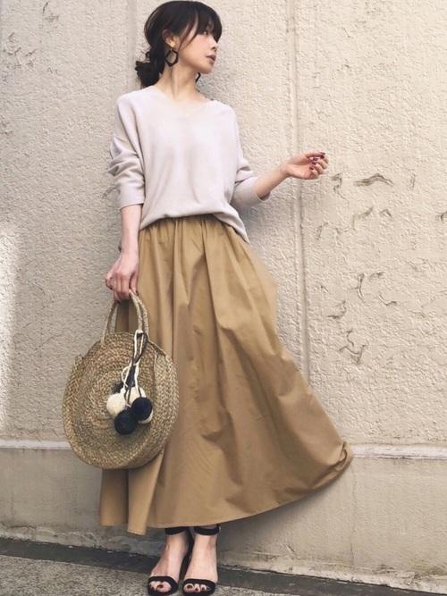 シルエットがきれいなフレアスカート
