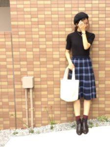 ショートブーツ×スカート×靴下