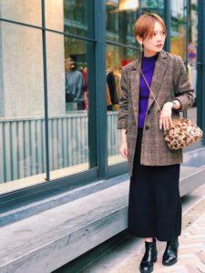 テーラードジャケット×スカートコーデ