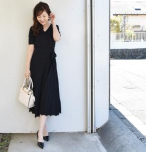 黒のマタニティドレス
